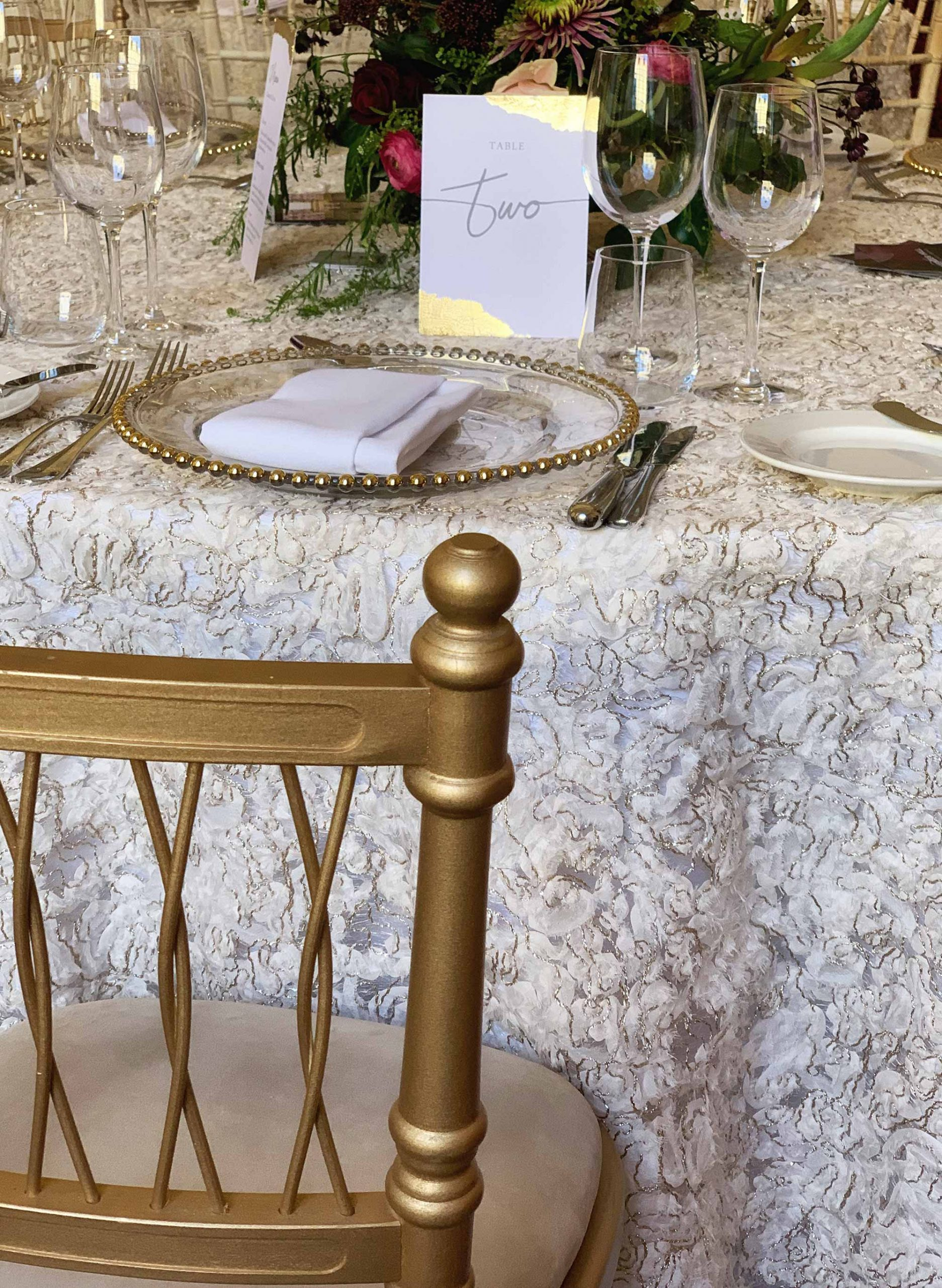 Off white fizz table cloth
