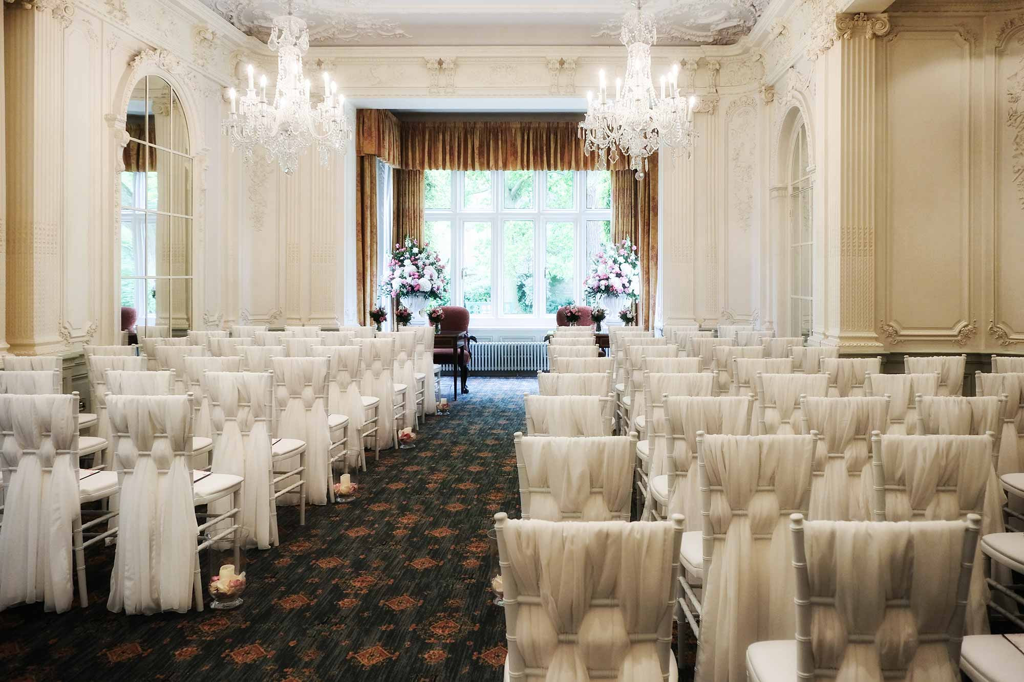Chiavari chairs at Warren House